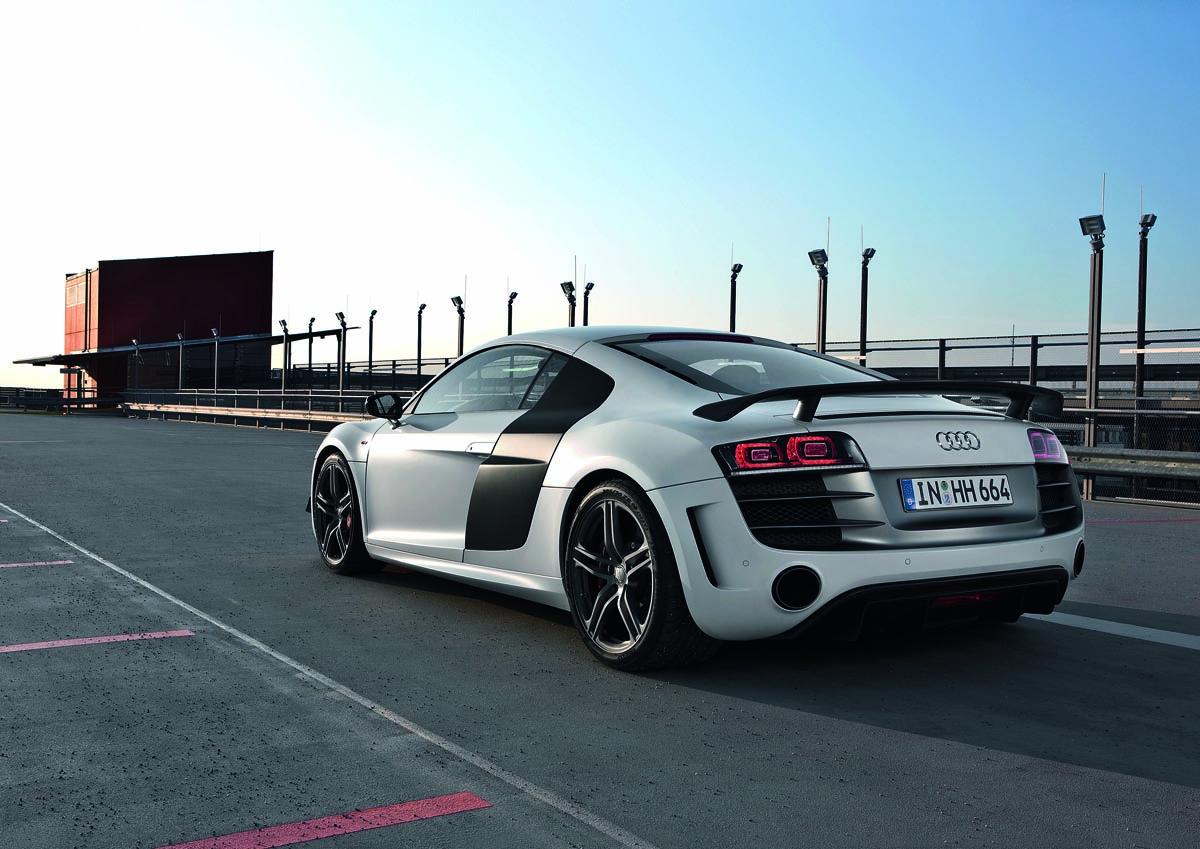 You Decide Audi R8 Gt Vs Porsche 911 Gt3 Rs 4 0