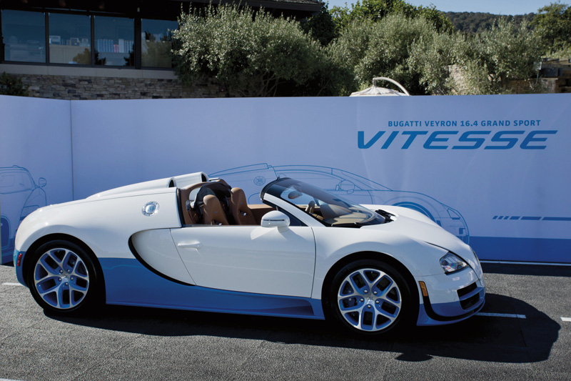 bugatti 39 s special edition veyron grand sport vitesse at pebble beach. Black Bedroom Furniture Sets. Home Design Ideas