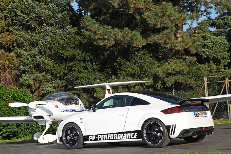 cam shaft and pp performance audi tt rs black and white edition. Black Bedroom Furniture Sets. Home Design Ideas