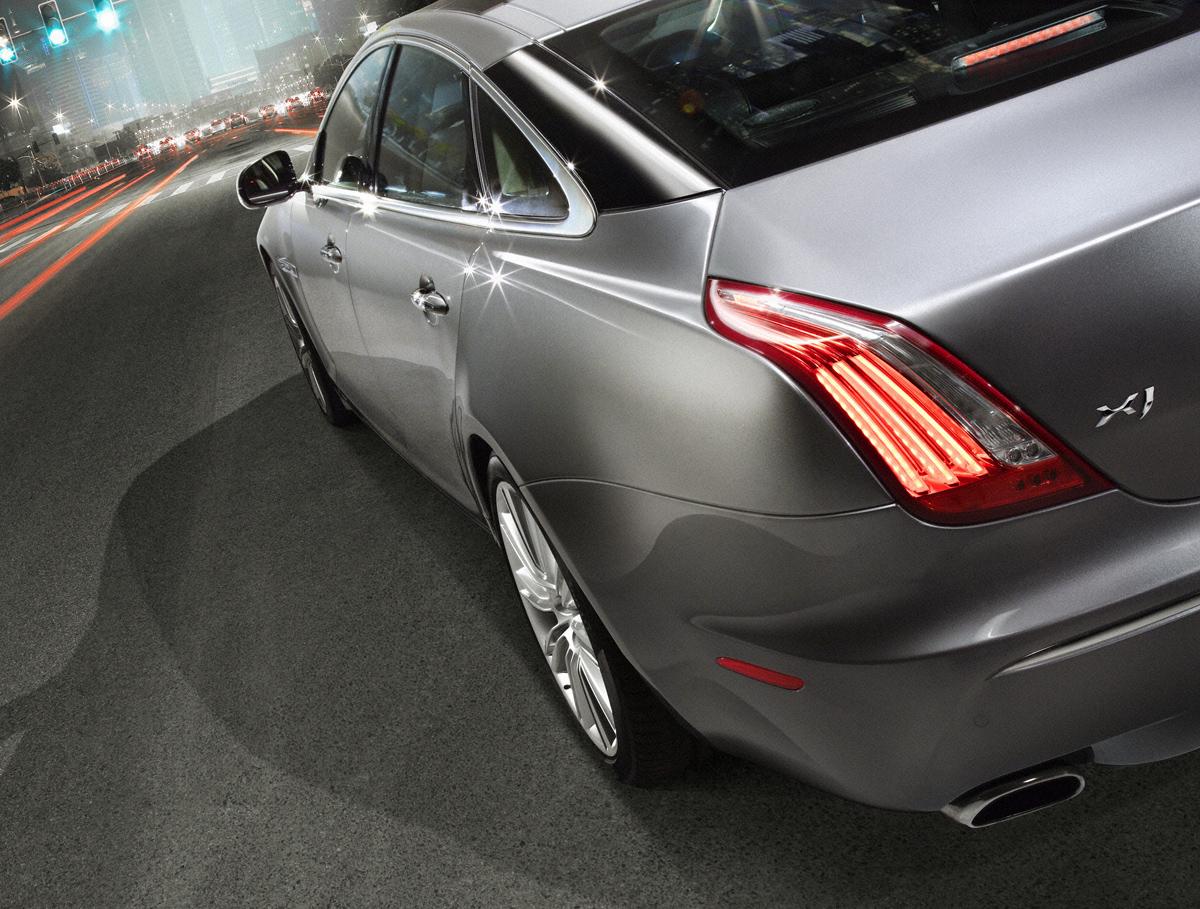 The new 2010 Jaguar XJ Luxury Sedan Exposed