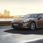 Porsche shows off its Panamera and Panamera 4 Platinum Edition