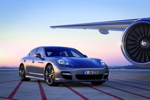 Porsche Panamera Turbo S Video
