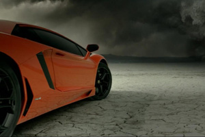 Watch the Lamborghini Aventador LP700-4 get Down and Dirty – Video