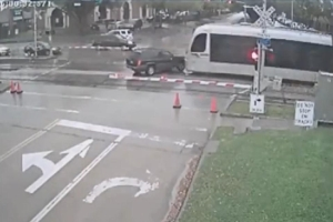 Jeep vs Train