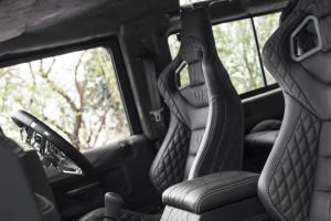 A Kahn Design Land Rover Defender 2.2 TDCI SW 90