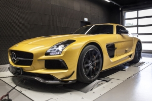 McChip-DKR Mercedes-Benz SLS AMG Black Series