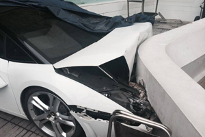 Gallardo Spyder Valet Crash