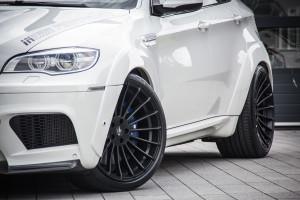 Inside Performance BMW X6 M White Shark