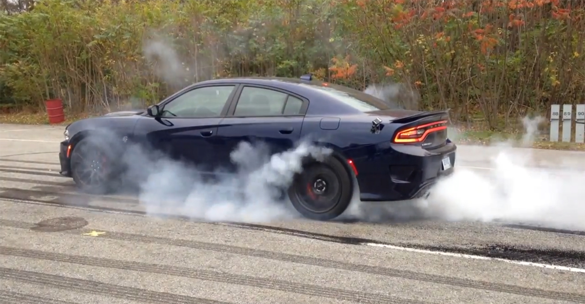 Charger SRT Hellcat burnout