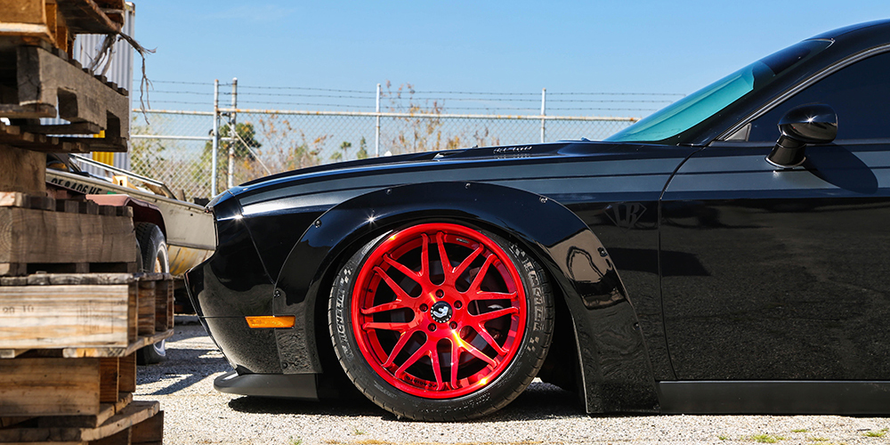 Liberty-Walk-Dodge-Challenger-Forgiato-Kato-1-ECL-2-Wheels