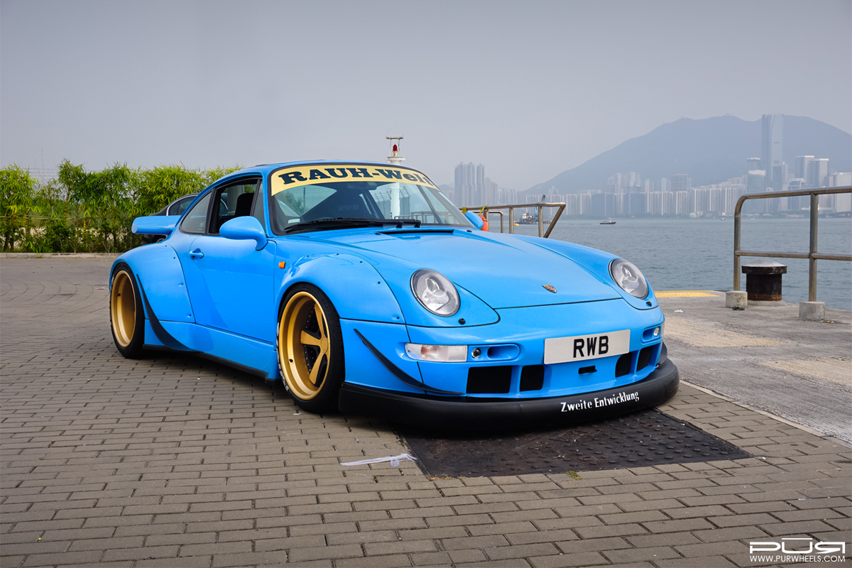 go wide with this rwb 993 porsche 911 with pur wheels. Black Bedroom Furniture Sets. Home Design Ideas