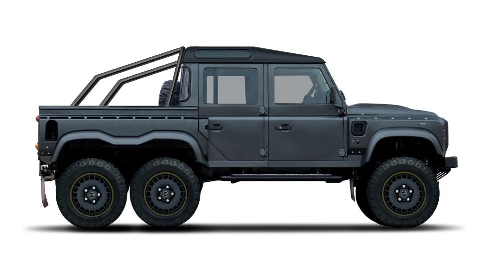 Flying Huntsman 110 6x6 Defender Double Cab Pickup