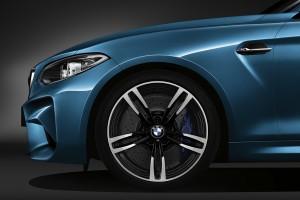 2016 BMW M2 (1)