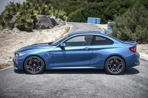 2016 BMW M2 (16)