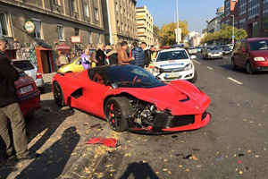 Friday FAIL Ferrari LaFerrari Crash