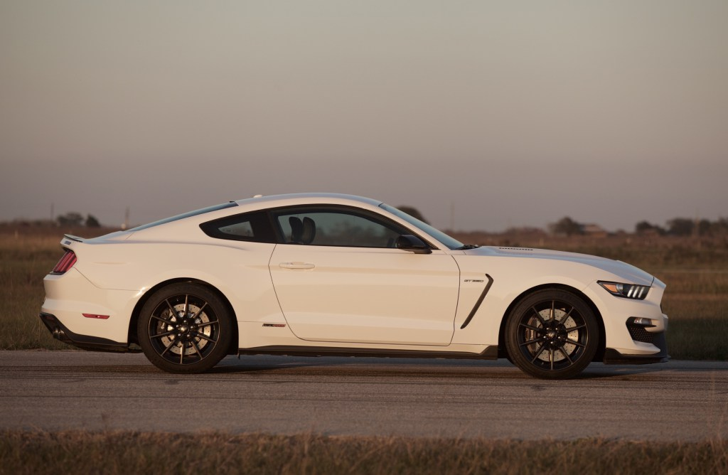 HPE575 Ford Shelby GT350 Mustang