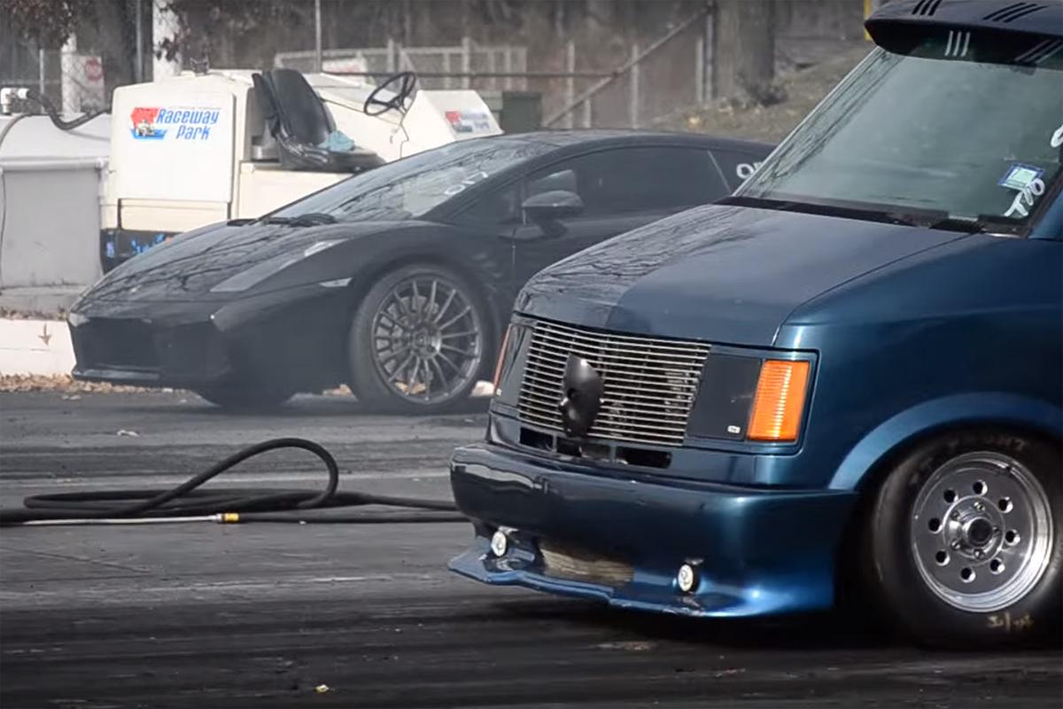 Lamborghini Gallardo vs Astro Van