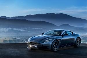 2017 Aston Martin DB11 (1)
