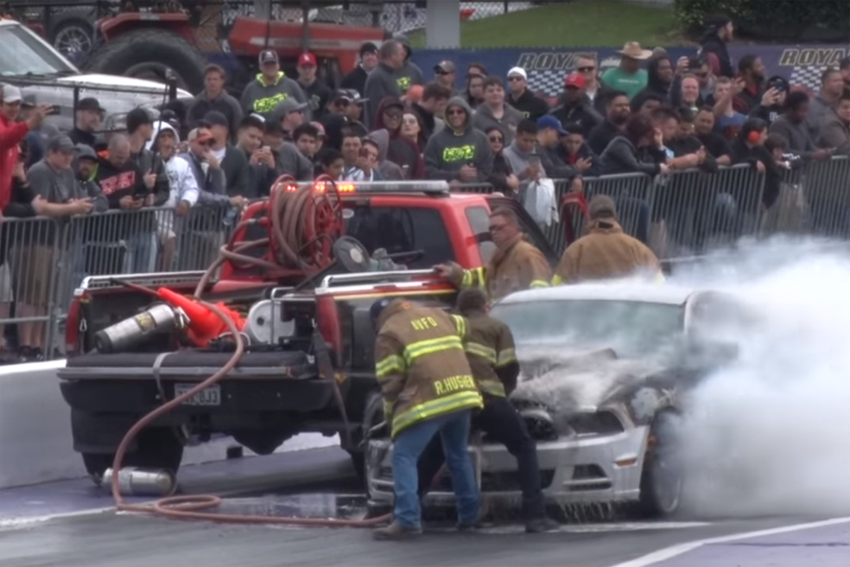 Ford Mustang Drag Strip Fire