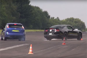Shelby Mustang GT500 Loses Control
