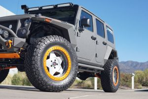 Starwood Motors Jeep Wrangler with Center Line RT1 Wheels
