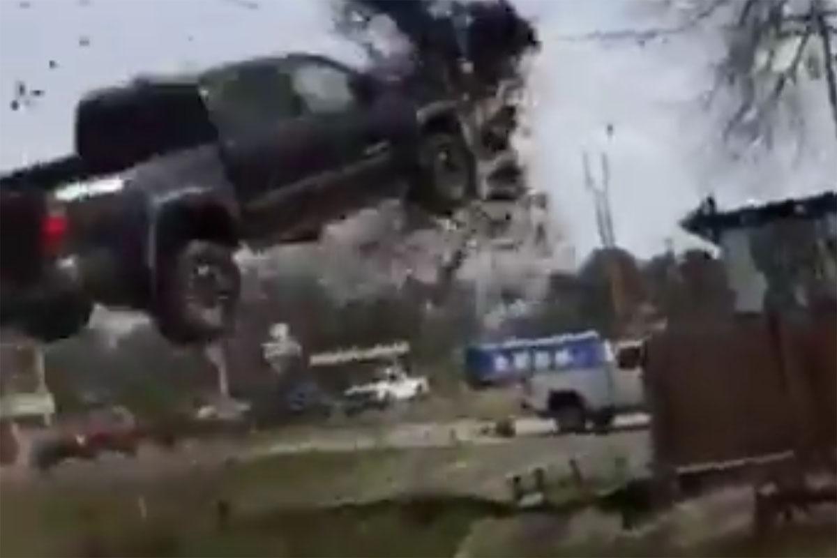 Friday FAIL Toyota Tacoma Jump