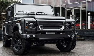 Land Rover Defender XS Station Wagon 6.2 Flying Huntsman 105 Long Nose Wide Body